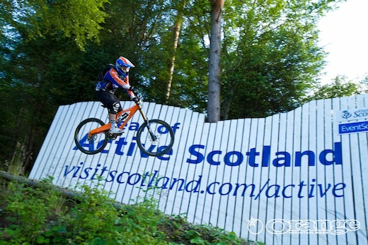 Chris Hutchens Fort William No Fuss Endurance DH Orange Bikes