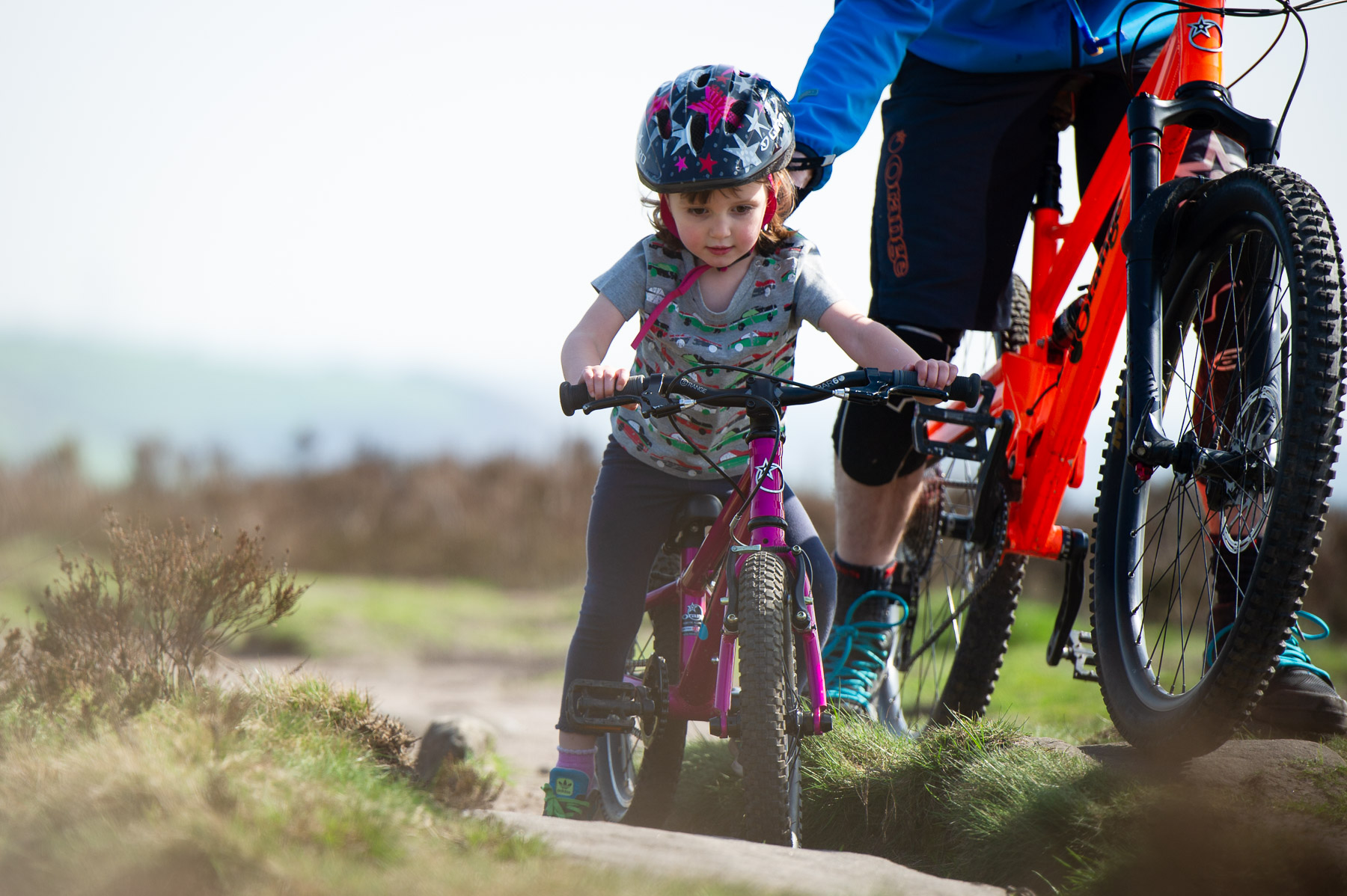 b3529e334b2 Then, as they get the hang of it, you can loosen your grip gradually and be  ready to catch or let go as is needed. The Orange Guide To Kids Bikes